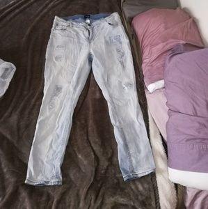 Denim - Size 18 light wash distressed skinny jeans